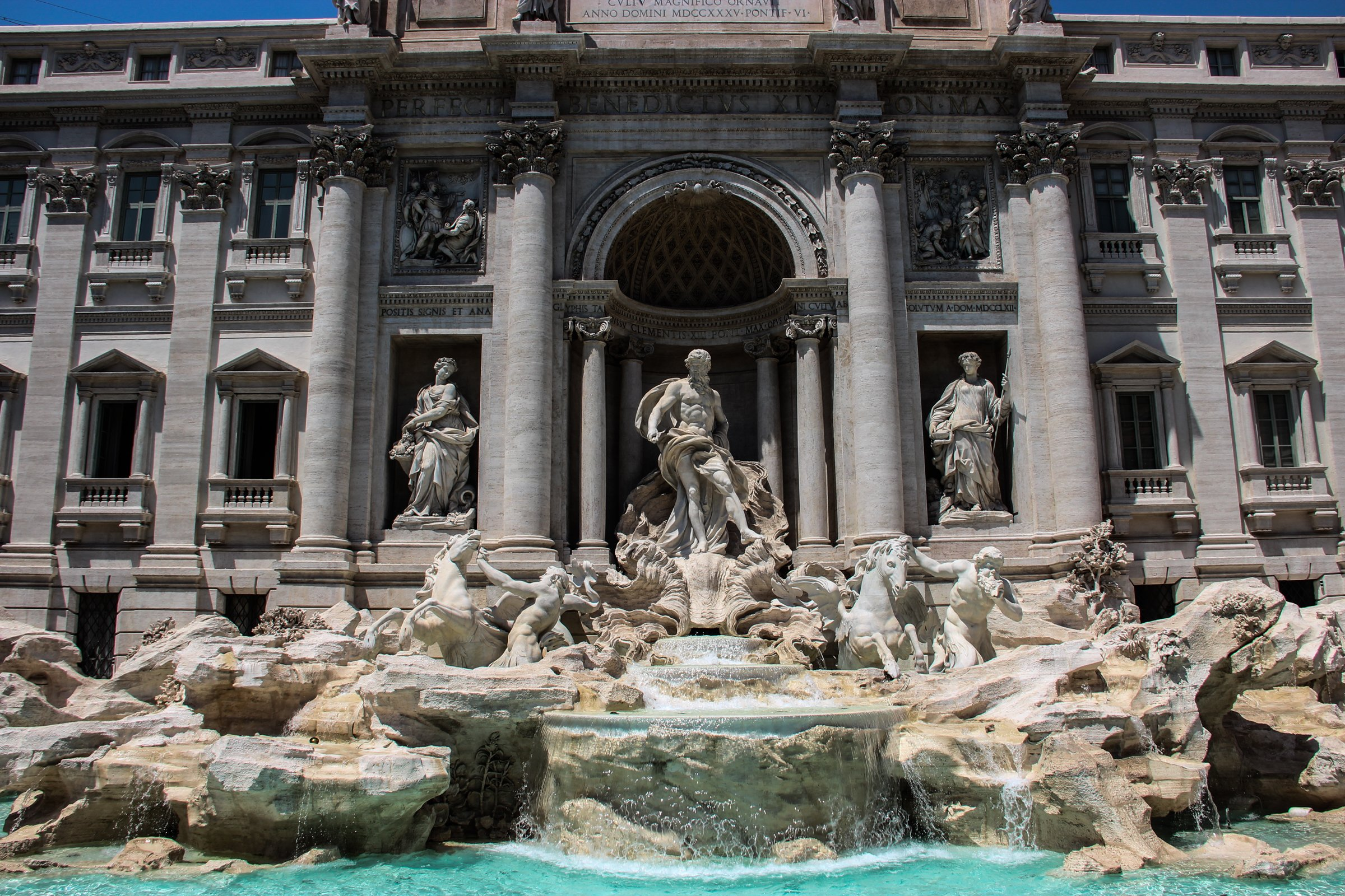 Statues at Trevi Fountain
