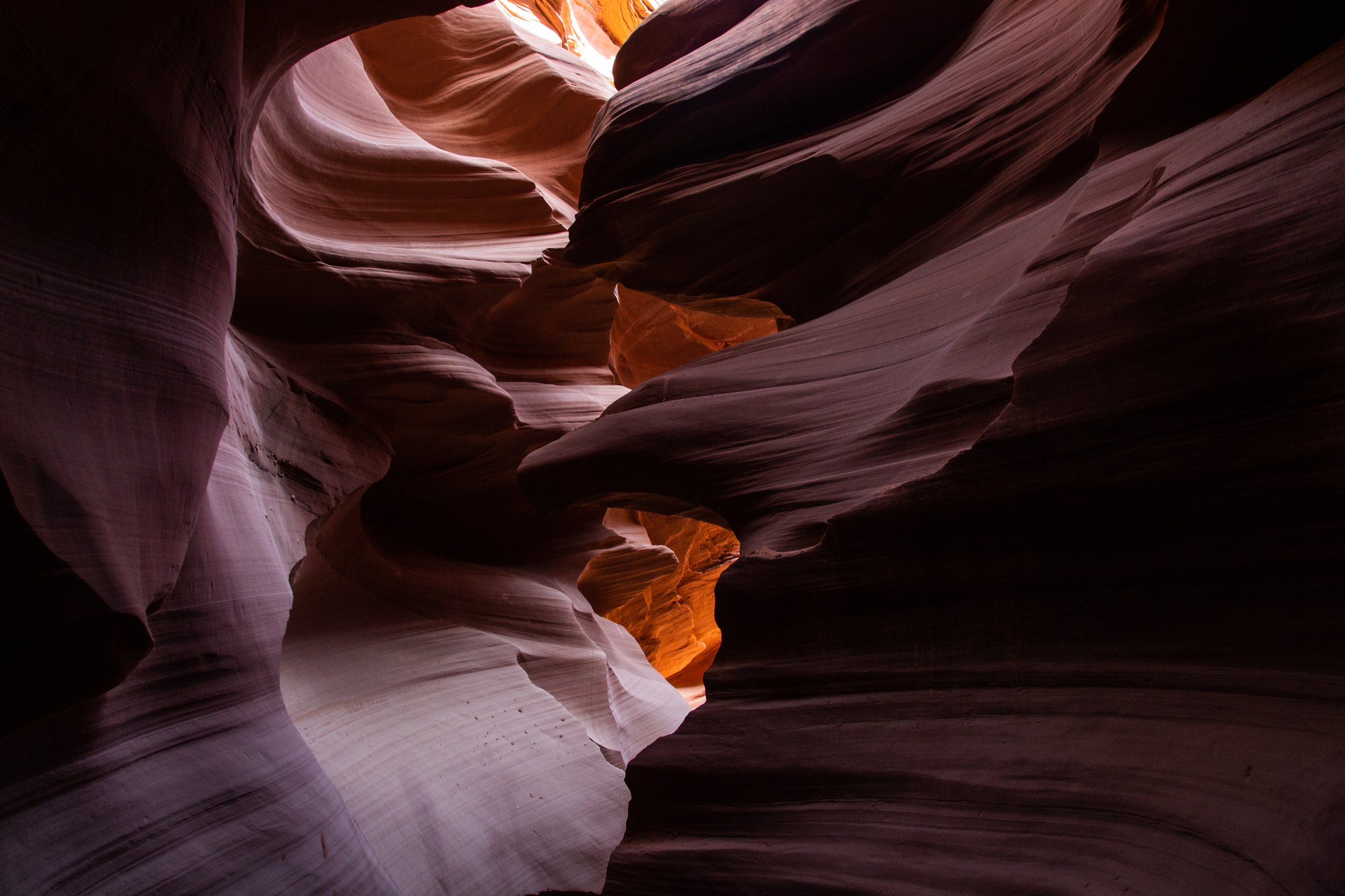 Folds On Antelope Canyon Corridors Walls