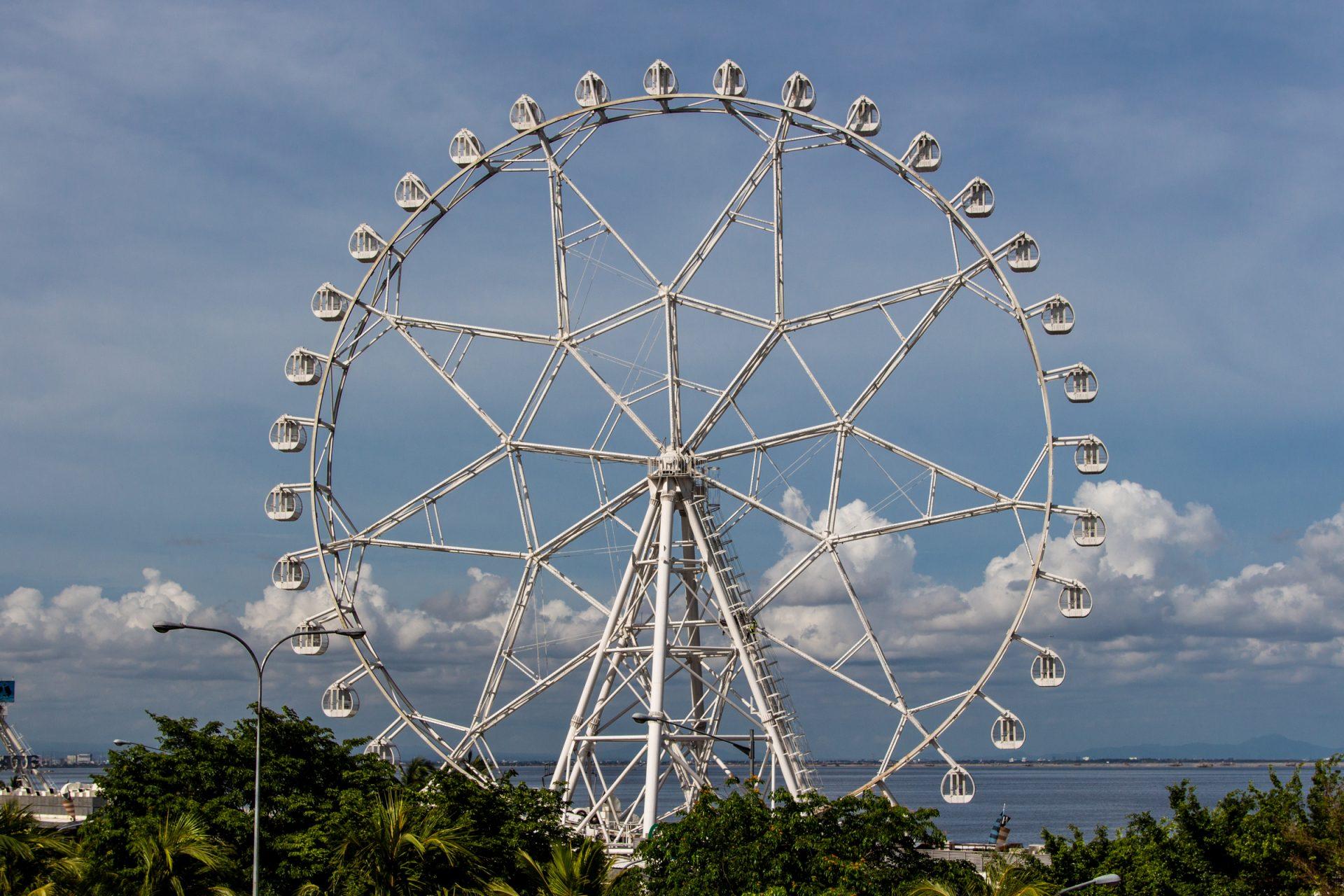 Ferris Wheel In Manila
