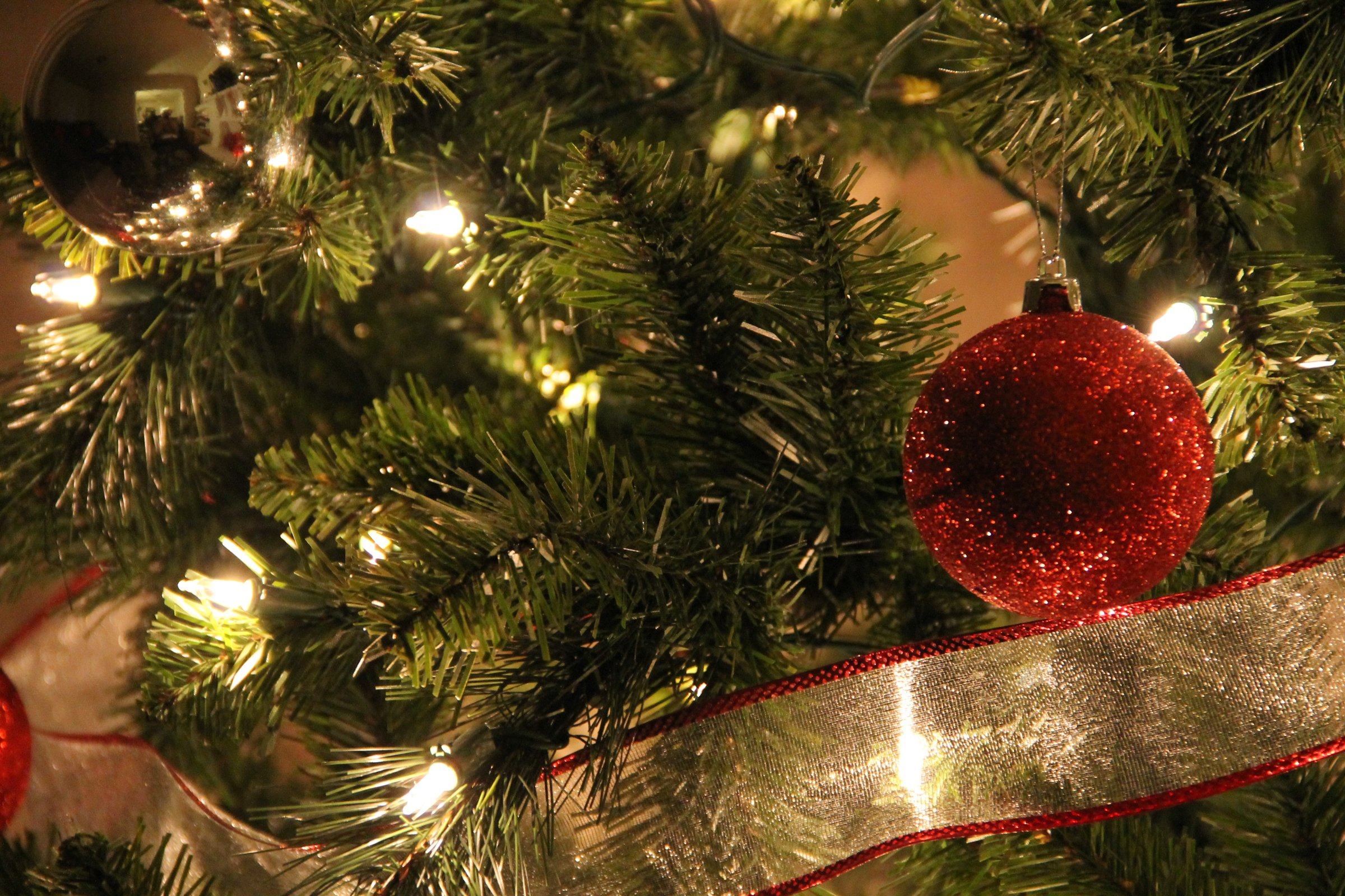 Christmas Tree Close Re Ball